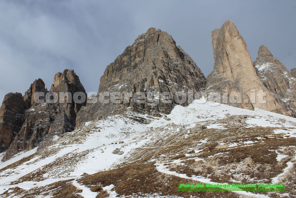 Le Tre Cime di Lavaredo viste da sud – FOTOGALLERY CONOSCEREGEOLOGIA.IT