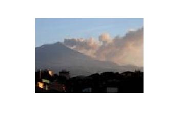 Eruzione Etna, aggiornamento 18 maggio 2016 ore 15.45