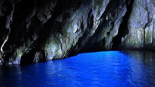 C'è una Grotta Azzurra anche nel Cilento ed i geologi ne analizzeranno le sorgenti termali – COMUNICATO STAMPA CNG
