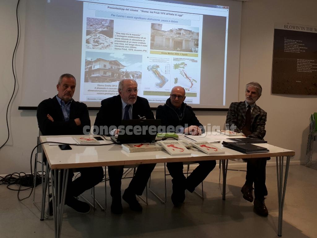 """VIDEO CONOSCEREGEOLOGIA – Conferenza stampa anteprima nazionale alla stampa del Volume """"SISMA dal Friuli 1976 all'Italia di oggi"""