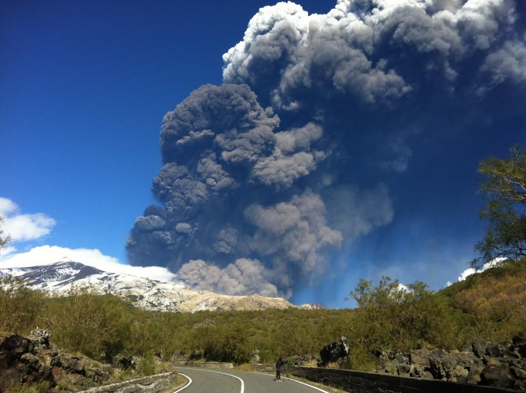 Svelati i tempi di attivazione delle recenti eruzioni dell'Etna. Intervista al Prof. Marco Viccaro