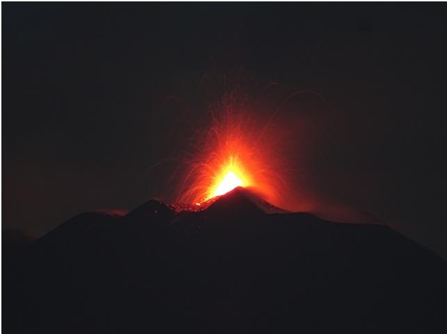 Etna : Attività eruttiva al Nuovo Cratere di Sud-Est