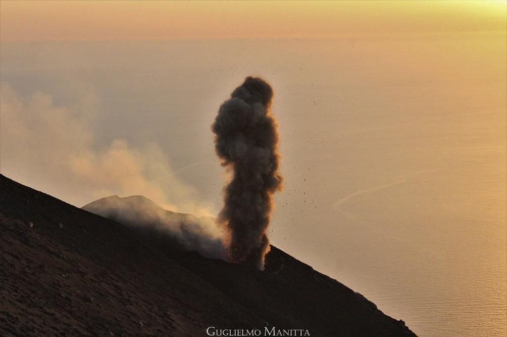 Stromboli e la sua attività eruttiva